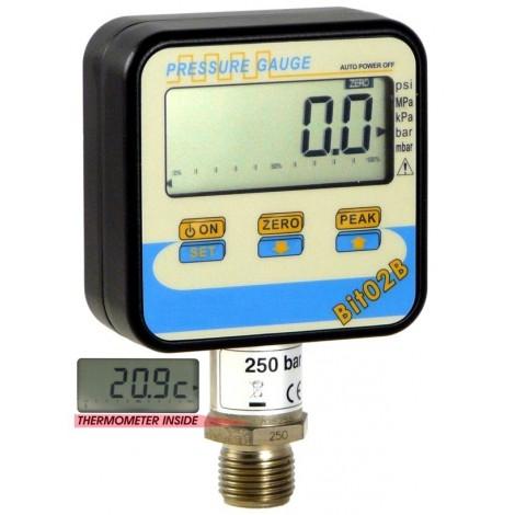 SM-BIT02B:  Digital manometer From 1, ..., 2000 bar with temperature measurement.